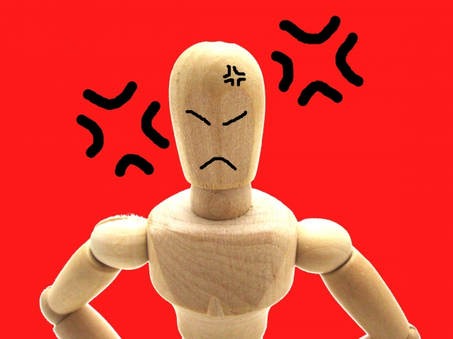 前頭側頭型認知症により怒りが止まらない女性への対応