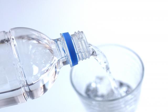 認知症の方への水分調整とレクリエーションで徘徊頻度が減少